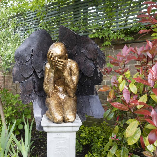 Grieving angel sculpture 1
